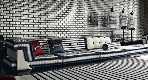 roche bobois bleue pi ce. Black Bedroom Furniture Sets. Home Design Ideas